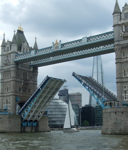 Aventura sails through Tower Bridge