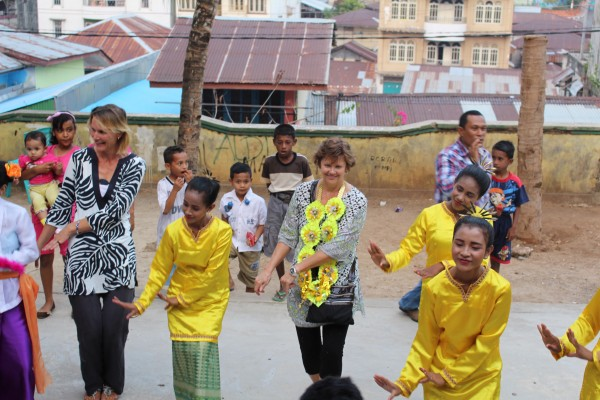 Klaudia and Janet joins the dancers in Tual, Indonesia (photo: Chapter Two)